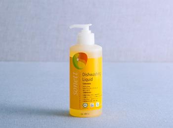 こちらはスイートオレンジとベルガモットの香りが癒やされます。エッセンシャルオイルは全てオーガニック。食器洗いをしながら深呼吸したくなりそう!