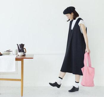 可愛過ぎない優しいピンク色がナチュラルで素敵です。普段着のスカートコーデに合わせたくなります。