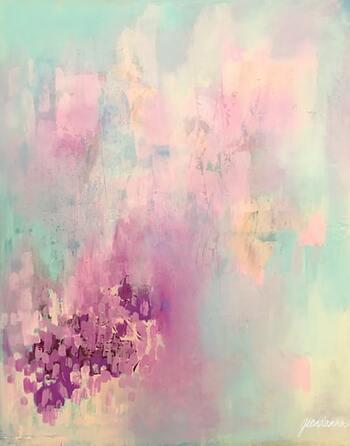 色みが似ていると効果も似ているので、自分が「これなら落ち着く」と思える度合いの色を選べばOKです。  たとえば、「ビビッドカラー」だと落ち着かないなら「くすみカラー」を選ぶなど、少しトーンを変えれば、選択肢を広げやすいのではないでしょうか。