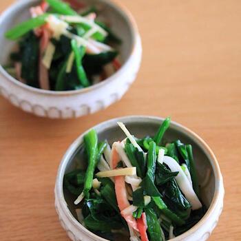 ほうれん草の和え物といえば、ごま和えなどワンパターンになりがち。 そこでバリエーションを増やしたい方におすすめのが、中華風のおひたしレシピです。鶏ガラスープの素など身近な調味料だけで作れるため、初心者でも美味しく仕上げられます。