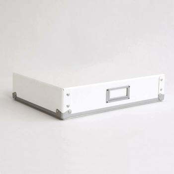 A4用ケースは収納のベースになってくれそうなスタンダードなお道具箱サイズです。四隅も丈夫に出来ているから、重ねても安定してくれます。