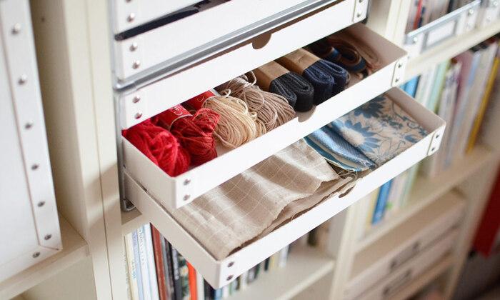日々増えていく書類やメモ、ハガキ、領収書などを入れて置けば、リビングもスッキリと管理できそう。その他に手芸用品の糸やボタン、端切れなどを入れても取り出しやすく整理しやすい。