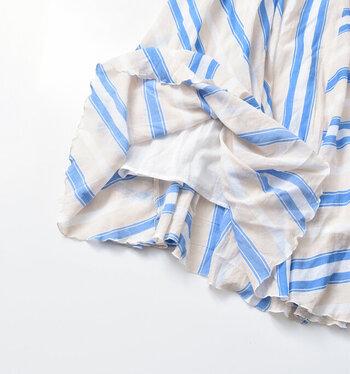 サラッと涼しい「夏のマキシ丈スカート」。快適な一着の選び方