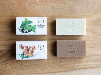 夏におすすめなのは「薄荷とオリーブ」。北海道産の薄荷の爽やかな香りが楽しめます。ひんやりとした泡立ちが特徴で、洗い流してもしばらくは涼しく感じられます。