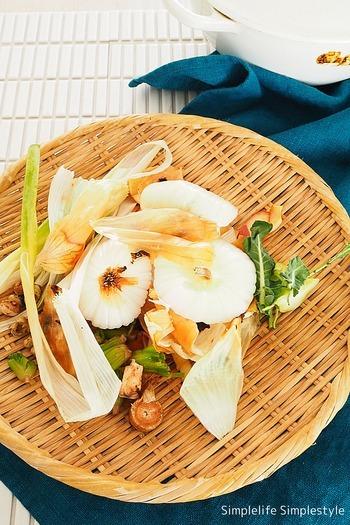 野菜の皮やヘタも美味しく。ベジブロスのレシピと活用アイデア