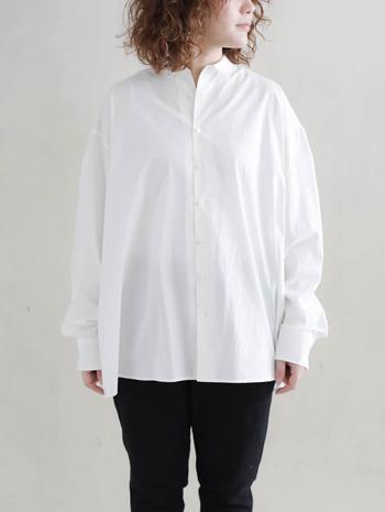 やっぱり使える!白シャツ&白ブラウス。《テイスト別》着こなしお手本帖