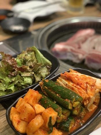 キムチやナムルなど、お野菜をたくさん使ったメニューも多いのでお肉と一緒にいただきましょう。