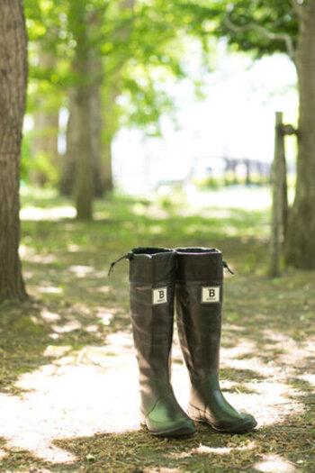 「日本野鳥の会」のバードウォッチング長靴は、ゴム長靴専門メーカーのアンケートをもとに製作されているので、デザインも履き心地も◎