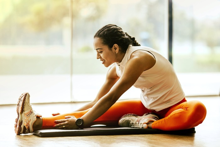 前途の通り、腰回りをスッキリさせるには生活習慣や食習慣が大切になってきます。そこを見直しつつ、腰回りをスッキリさせるエクササイズも取り入れていきましょう!