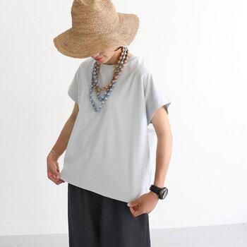 """夏の定番「Tシャツ」コーデ。""""シンプルだけどおしゃれ""""な着こなしのコツ"""