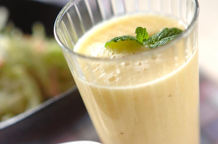 マンゴーとバナナを使ったジュースもおいしそう!ベースにはリンゴジュースが使われています。良く熟れたマンゴー&バナナを使うことがポイント!これからの暑い季節にぴったりです。