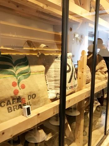 ハワイにある自社農園から届く豆は高い品質を誇ります。温度や湿度が管理されたコーヒー豆は、お取り寄せしても鮮度がキープされた状態で届きます。