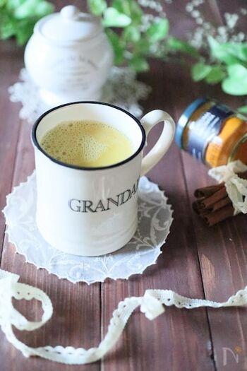 ヨーロッパの風邪予防として親しまれているゴールデンラテ。豆乳にスパイスとはちみつがたっぷり入っているので、喉の痛みにはもちろん、体が温まって風邪にも効果がありそうです。