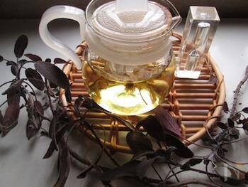 風邪の引き始めに効果的なハーブを使ったブレンドティー。お湯は必ず熱湯を使い、しっかりハーブの香りと味を出してくださいね。はちみつをプラスしても美味しいです。