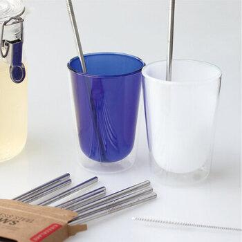 同じく「KIKKERLAND」のシルバーの輝きがオシャレな、ステンレスのストロー。サイズもφ6×D235(mm)と使いやすく、専用の洗浄用ブラシもついているので、中までしっかり洗えます。また食洗機にも対応しているためお手入れも楽チンで◎。