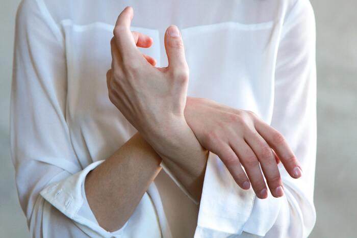 1日10分のセルフケア*「手のひらのツボ」不調を和らげる9つのポイント