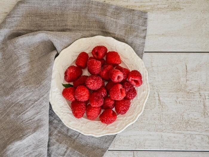 ブルーベリーやストロベリーなどのベリー系は低カロリーで、脂肪燃焼効果があります。ミネラルやビタミンも、豊富に含まれていますよ!