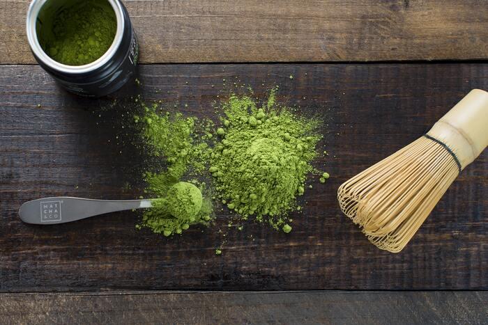 抹茶にはカテキンが含まれており、脂肪燃焼をサポートしてくれます。食物繊維も豊富ですよ!