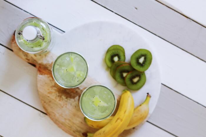 キウイやバナナは、食物繊維が豊富で、ポリフェノールが含まれているため、血行促進をサポートしてくれます。