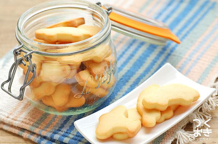 クッキーの生地に塩麹を入れたレシピ。液体の塩麹は、生地に均一に混ぜることができるのでおすすめです。塩麹のほのかな塩気がアクセントになってパクパクと食べられます。おいしくヘルシーなクッキーです。