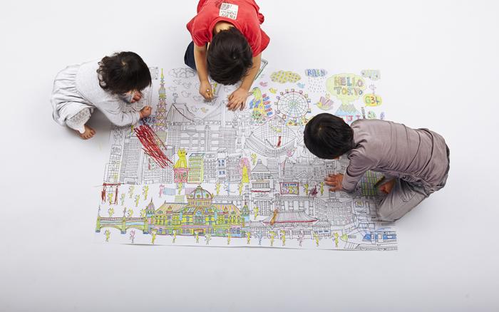 大人も子供も夢中になれる「NuRIE」。誰に付き合うでもなく、みんな同じ目線、みんな自分のペースで、心から楽しめるからこそ、とりわけ子供とのコミュニケーションを深めたい方におすすめです。  「NuRIE」で、家族全員の共同作業の機会を。会話を弾ませながら「我が家のシンボル的なアート作品」づくりに、トライしてみませんか*