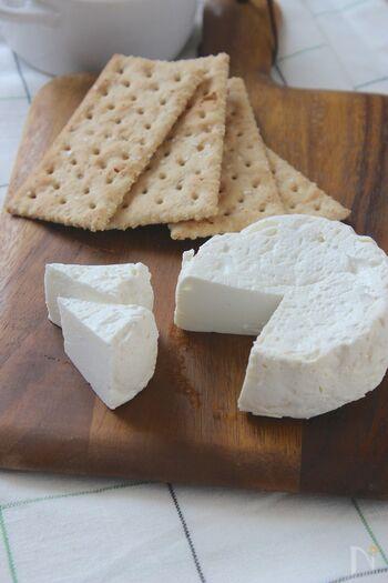 サラダにもデザートにも!まるでチーズな「焼きヨーグルト」を作ってみない?
