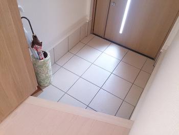 コンパクトだからスペースを有効に。「玄関」のアイテム別・すっきり収納術