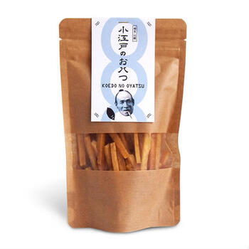 青いパッケージの「うす塩」は、国産のさつまいもの甘みと海洋深層水の塩気がシンプルな味わいで、ついつい手がのびるおいしさです。