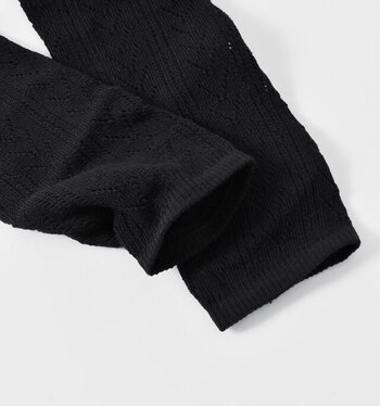 裾もゴム入りなので、ズレずに心地よい履き心地。定番のブラックに加えて、ベージュとグレーもあるから夏も活躍します。