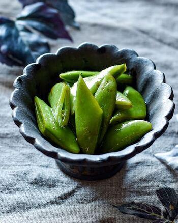 バルサミコ酢、オリーブオイル、はちみつでスナップえんどうを和えるというもの。意外な食べ方ですが、適度な酸味と甘みで食が進みます。