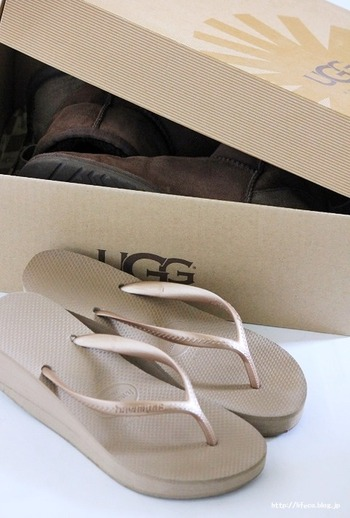 シーズンオフの靴と今から履く靴を入れ替える場合は、衣替えついでにメンテナンスし、出した箱に収めると、作業がスムーズに。