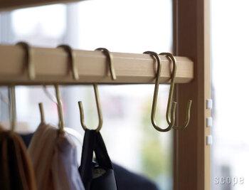 キッチンやクローゼット、玄関の整理整頓に。便利な【フック収納】のススメ