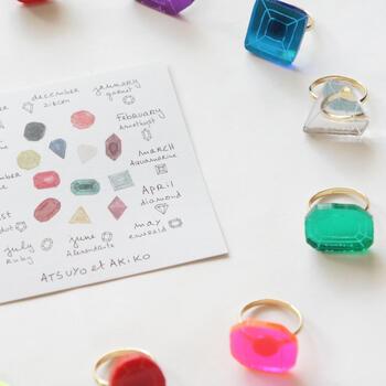 おませおませなキッズにおすすめの誕生石をモチーフにした可愛らしいリング。コーディネートのアクセントにいかがでしょうか?お値段がリーズナブルなのでお友達へのギフトにもおすすめです!