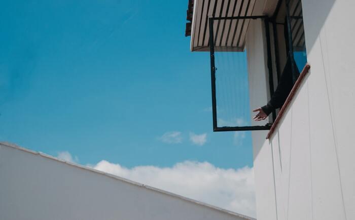 ぼうっと空を眺めよう。なんにもしない日の心地良い過ごし方