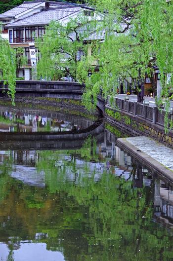 『城の崎にて』は、鉄道事故の療養のために城崎温泉に訪れたときのことを記した短編小説です。