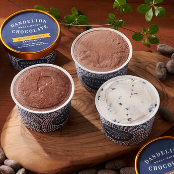 「DANDELION CHOCOLATE(ダンデライオン・チョコレート)」はこだわりのチョコレートを手作りする、サンフランシスコの会社です。おいしいのはもちろん、香料、着色料ゼロにこだわり、身体への優しさも忘れていません。カカオの味をダイレクトに味わえるアイスクリームです。