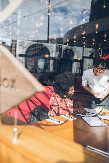 飲食店で使える英会話フレーズ集。丁寧で上品な表現を身につけよう!