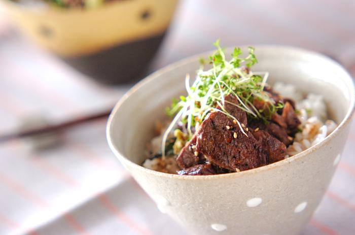 肉料理に、わさびは相性抜群。ステーキなどにもよく合います。こってりしたお肉の味が、わさびの爽やかな辛さで中和され、すっきりとした風味になります。