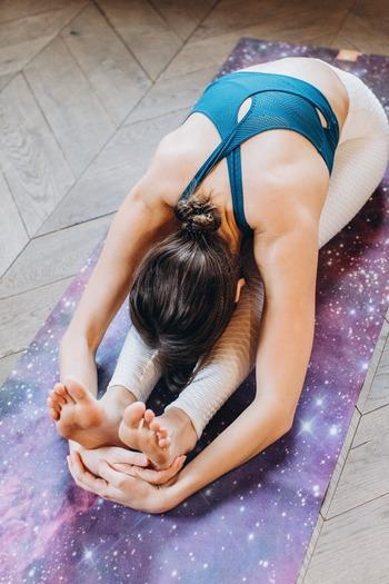 股関節に限ったことではありませんが、関節の動きが悪いとフォームが崩れやすく運動の効果を感じにくくなる可能性があります。