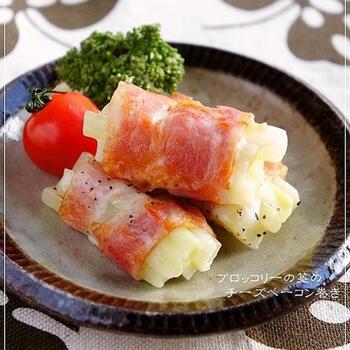 ベーコン巻きは、お弁当のおかずやおつまみの定番ですよね。ブロッコリーの茎を使うと、いつもとはひと味違うベーコン巻きが完成します。お弁当に入れれば、喜んでくれるはずです♪