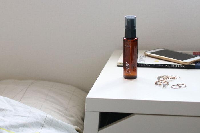 香りは人の意識を覚醒させてくれるアイテムのひとつです。リラックス系の香りと覚醒系の香りがあるので、やる気スイッチをONにしたいときは、爽やかな香り、柑橘系の香りといった覚醒の香りを選びましょう。
