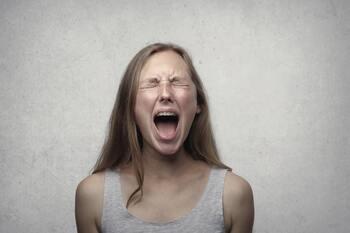 大人になると、あまり怒ることがなくなってしまっていませんか?怒りを感じても「もう、大人だし…」と我慢をして感情自体を押し殺してしまっています。