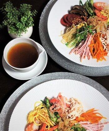 寿司酢を使えば簡単に味がキマります。調味料を混ぜるだけでできるので、ちゃちゃっとつくれる気軽さが魅力。