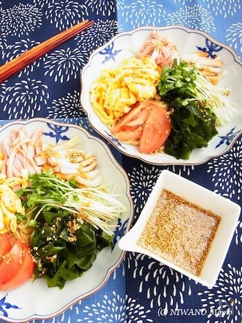 たっぷり加えたごまの香ばしい香りと、食欲をそそるしょうがの風味がおいしくてクセになりそう。中華風サラダのドレッシングとしても使えます。