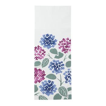 青と紫の紫陽花が描かれた手ぬぐい。色を少しぼかしているため、より梅雨時を感じさせます。雨だと部屋も気分も暗くなりがちですが、この手ぬぐいで明るくなりそう♪サイズは92cm×36cmです。