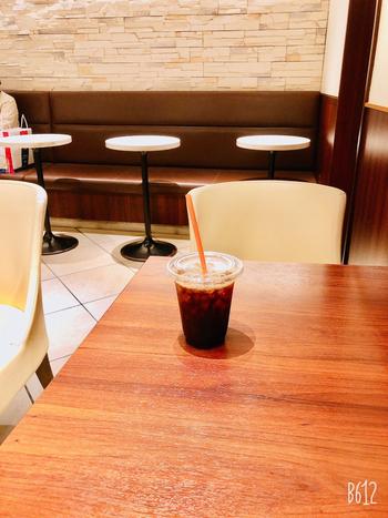 オーガニックのコーヒーや紅茶を飲みながらここでひとり時間を過ごせば、お仕事とプライベートの切り替えができそうですね。