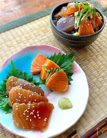 サーモンなど、まぐろ以外の刺身でも万能な味の漬けだれ。一晩漬けて、しっかり味を染みこませるのがおすすめです。