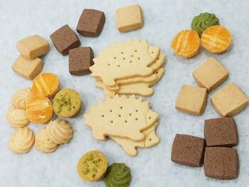 香料や着色料や保存料などを使わず全て無添加。ベーキングパウダーも不使用の焼き菓子たちです。メープルやピスタチオ、レモンなど7種類のクッキーが入っています。