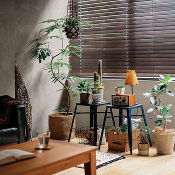 観葉植物や雑貨、照明などを置いて自分好みのスペースとして活用できます。程よい高さで、他の部屋から眺めることも可能。素敵なスペースに癒されること間違いなしですね。