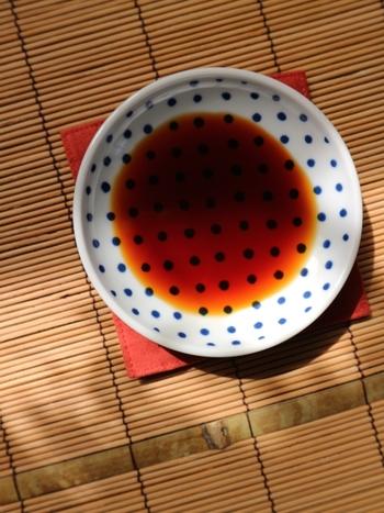 沸騰直前まで加熱したお醤油・みりん(もしくは酒)を使う方法もあります。アルコール臭や、お醤油の香りを和らげるひと手間。下記サイトも参考にしてみてください。